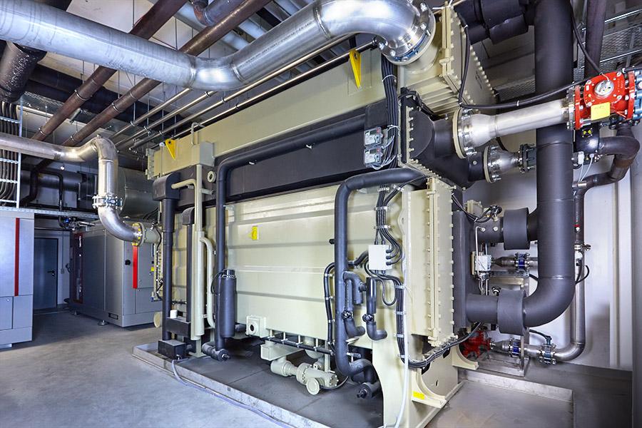 Absorbtionskältemaschine - aus Wärme (BHKW) wird Kälte erzeugt. Kälteleistung 600 KW